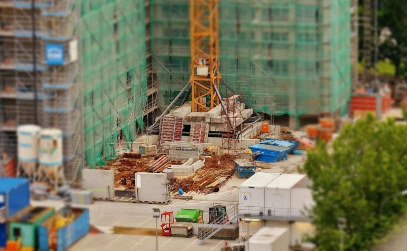 Zgodnie z bieżącymi regułami nowo konstruowane domy muszą być gospodarcze.